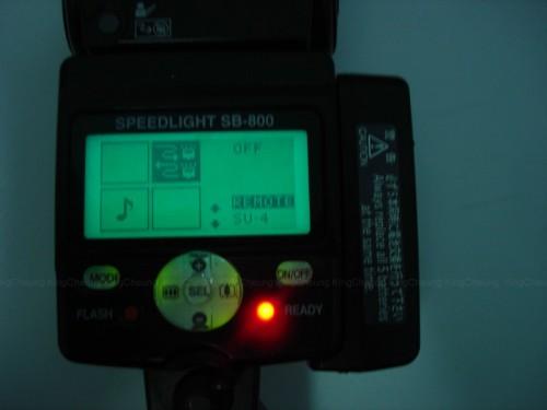 5) 閃光燈方面,我是用SB800的,而其他的都是差不多。長按SEL (中間的那個) 5秒就會出現以上畫面,選REMOTE。