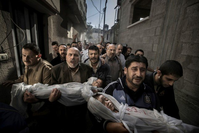 Gaza Burial (Photo by Paul Hansen)