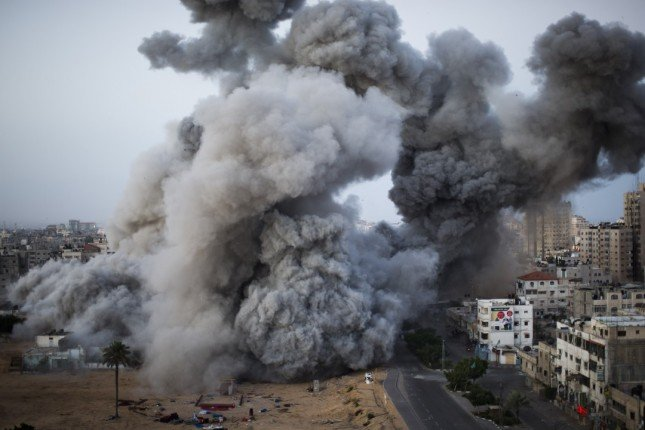 GAZA遭空襲的畫面(Photo by Bernat Armangue)