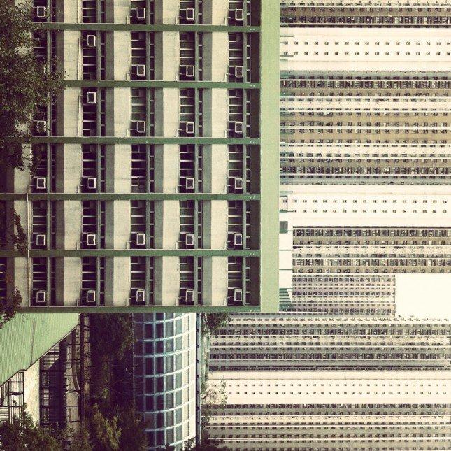 外 ﹣家中某窗看出去的景像,建築物形成層次感,把角度稍轉一轉令構圖抽象