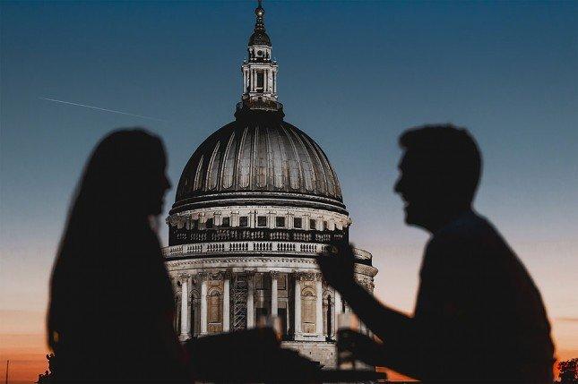 (12) 倫敦聖彼得大教堂下的剪影。Picture: Zygimantas Kucas