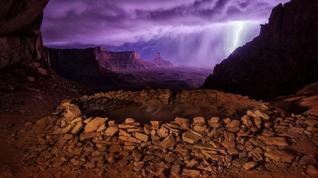 thunderstorm at false kiva image © national geographic / max seigal