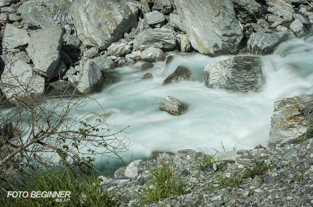 慢速快門可以令流水變得像絲絹一樣,變得更夢幻。