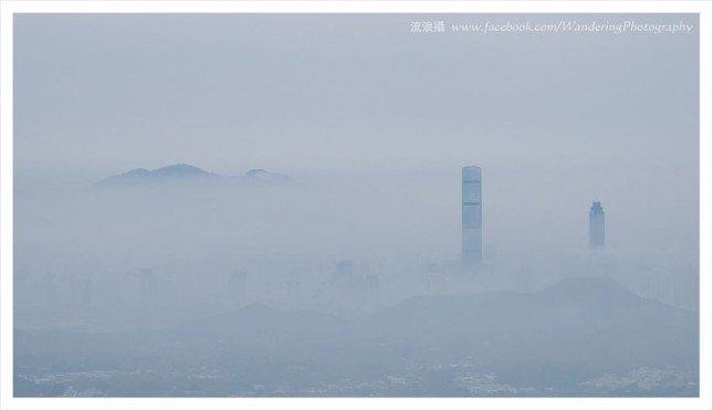 雲霧下的深圳高樓