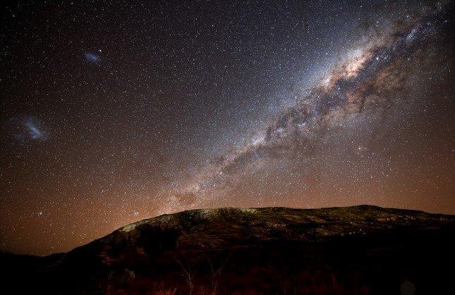 要拍攝出漂亮的星空照,需要一定的後製技巧,但初學者也可以試試!我們Fotobeginner也有星空教學文章啊! Photo by {link:https://www.flickr.com/photos/lrargerich/4999906554}Luis Argerich{/link}