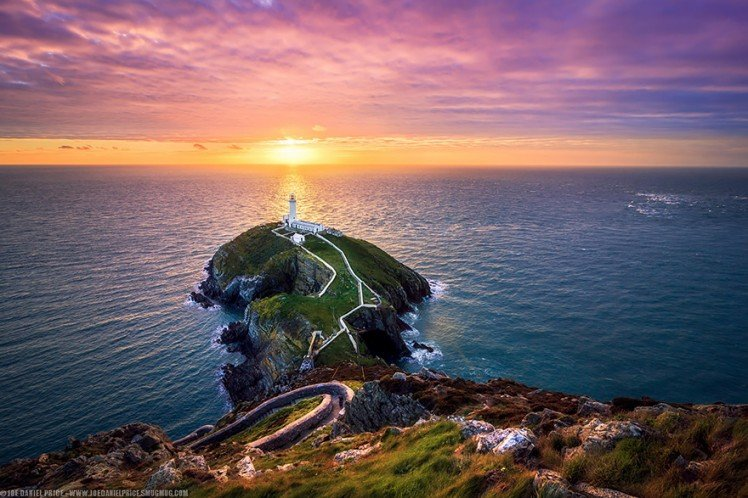 Photo by {link:http://500px.com/photo/40718946/the-south-stack-near-holyhead-anglesey-wales-by-joe-daniel-price?from=editors&only=Landscapes}Joe Daniel Price{/link}