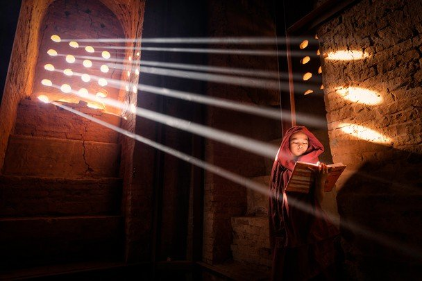 Merit Prize Winner: Light Source Photo and caption by Marcelo Castro