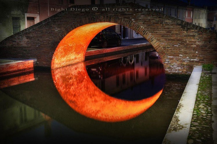 Photo by {link:http://500px.com/photo/53736710/moon-by-uccio78?from=user}uccio78{/link}