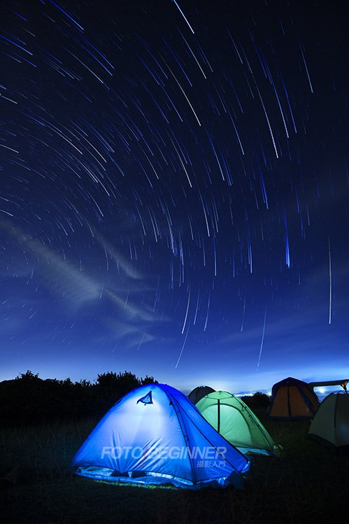 晚上各同學也在學習拍攝星空、星軌的技巧。
