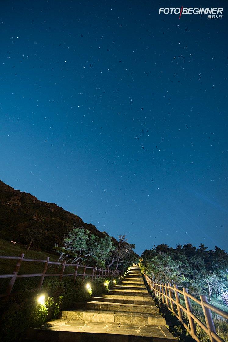 計劃拍日出時不妨早一點到達現場,還可以拍星空!