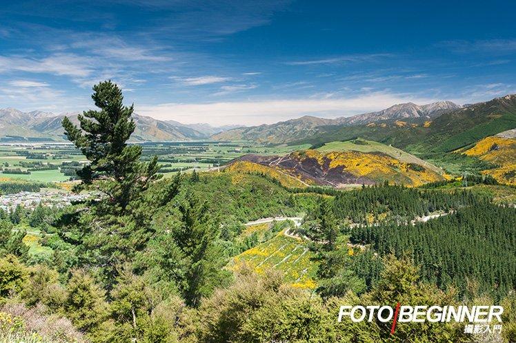 使用廣角鏡可以拍出廣闊的景色,包含更多元素。