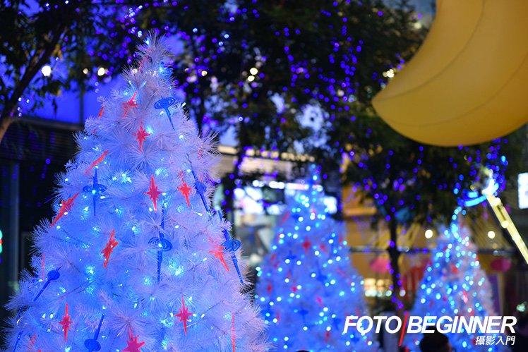 K11今年於廣場的聖誕樹很有浪漫的氣氛,你又會怎樣拍攝呢?