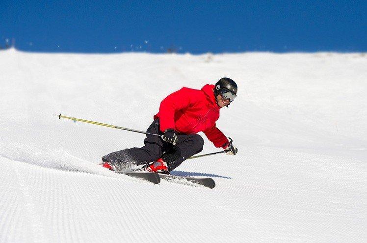 利用超高速快門凝固動作。 (Photo by {link:https://www.flickr.com/photos/trysil/5552844524/}På ski i Trysil{/link})