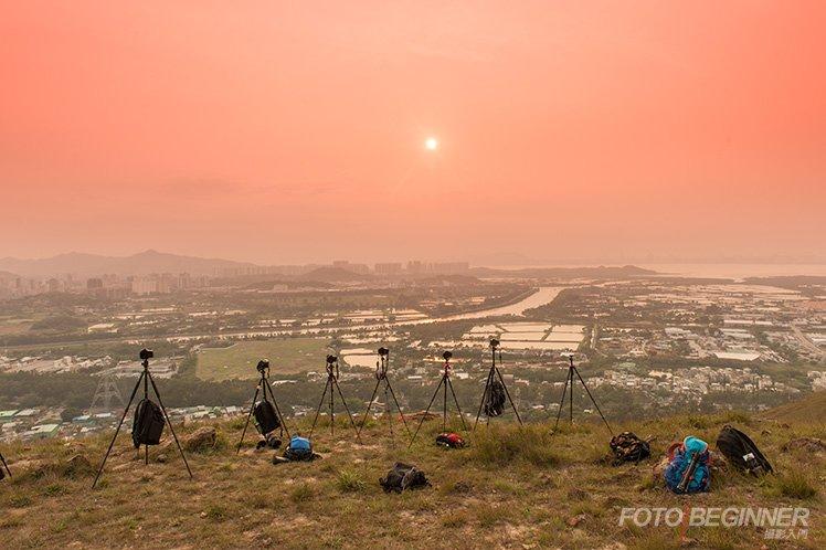 天色不好,空氣充滿著煙霧,並不是拍攝日落的好時機。