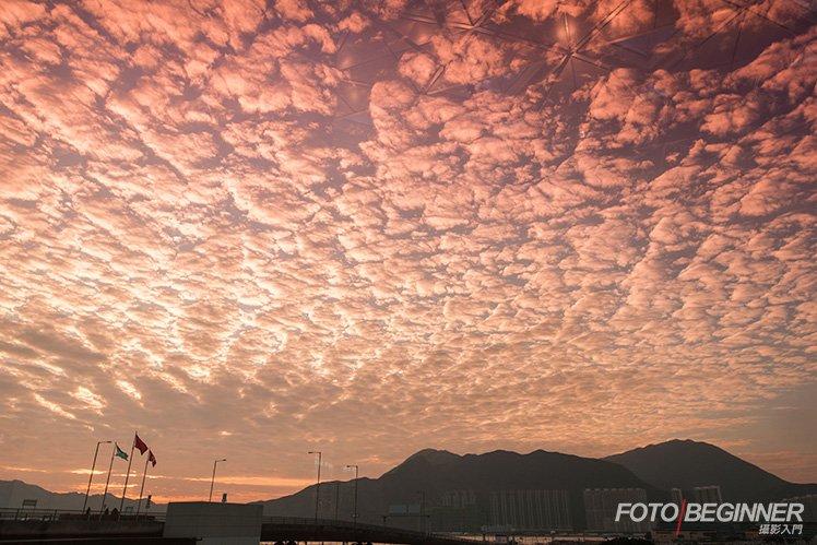 有時雲的形狀也是日落拍攝的好題材。