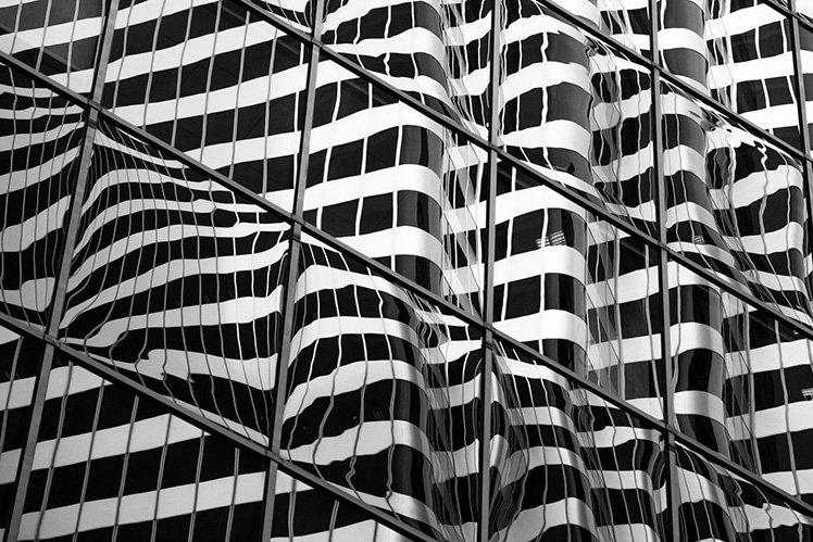 利用攝影眼,尋找建築物有趣的線條! Photo by Jeremy Brooks