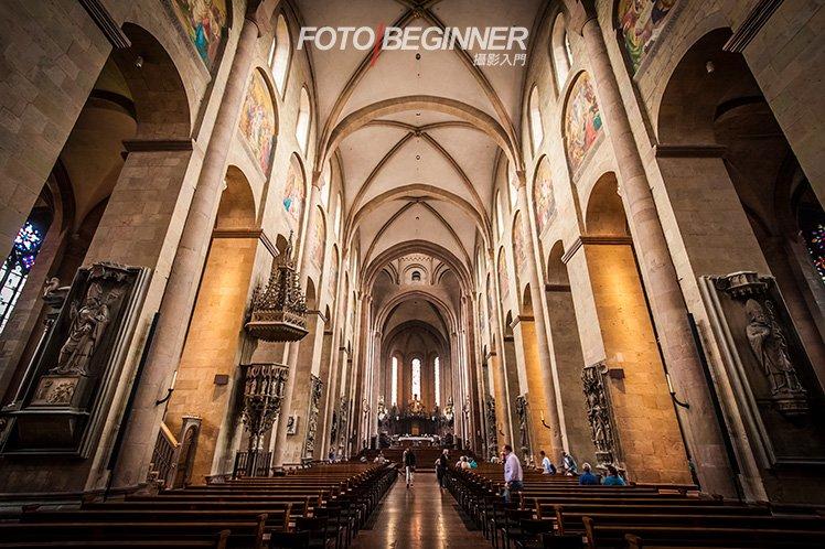 即使在偏暗的環境內,利用大光圈配合高 ISO 也可以手持拍出清晰、有氣氛的相片! (f/5.6 1/30s ISO3200)