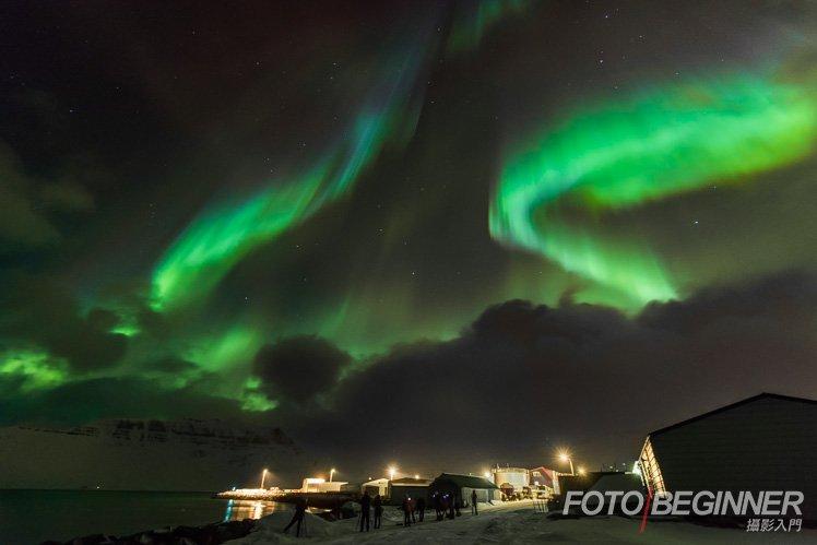 第二天晚上已經可以看到極光了!同學們也可以盡情拍攝!這個旅程我們一共可以看到 4 晚極光呢!
