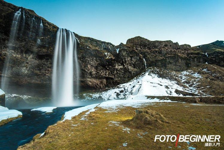 冰島的瀑布真的很漂亮啊!